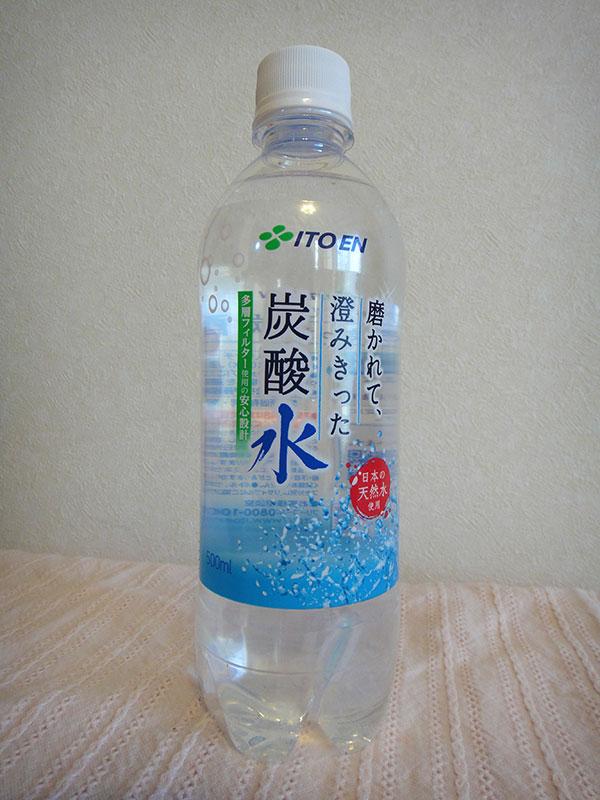ITOEN 磨かれて澄みきった炭酸水