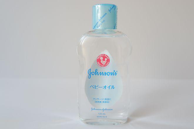 ジョンソンベビーオイルのボトル