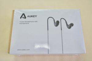 1,000円以下で買えるイヤフォン(AUKEY)