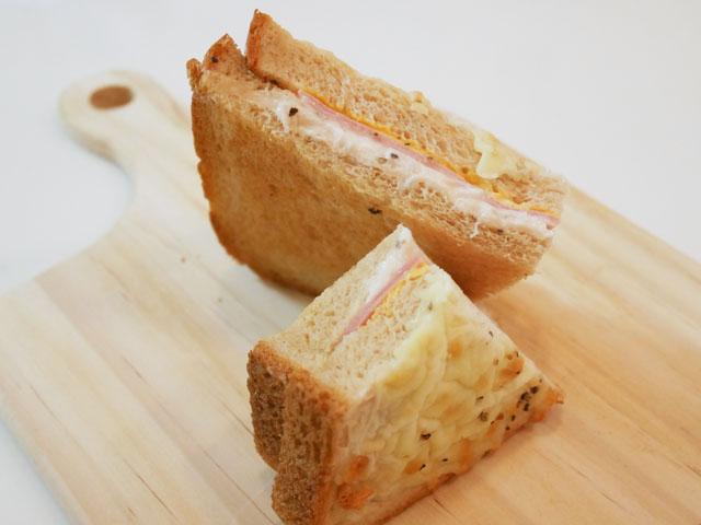 ローソン クロックムッシュ ~ブラン入り食パン使用~ 断面