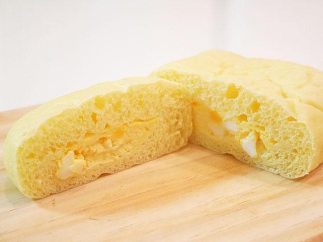 ローソン たまごを包んだしっとりパン 断面